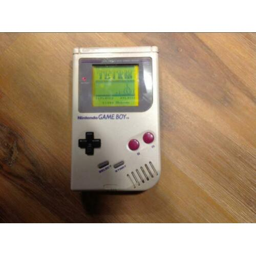 Gameboy met diverse spellen en lightmagic