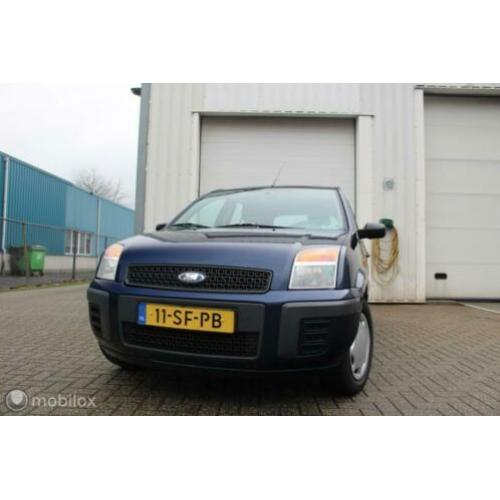 Ford Fusion 1.4 TDCi Trend * LAGE KM STAND*AIRCO*TREKHAAK